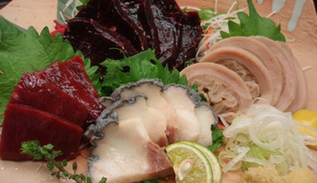 八丈島 - 料理写真:鯨刺盛合せ¥2520