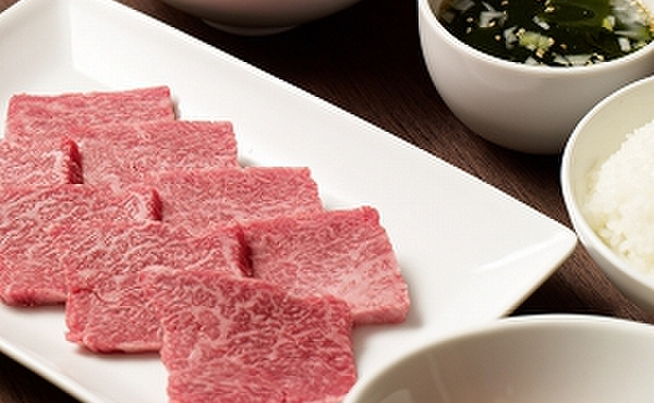 焼肉チャンピオン - 料理写真:ランチタイムにはお手軽に焼肉を楽しめる焼肉御膳(¥1,800~)もご用意しております。