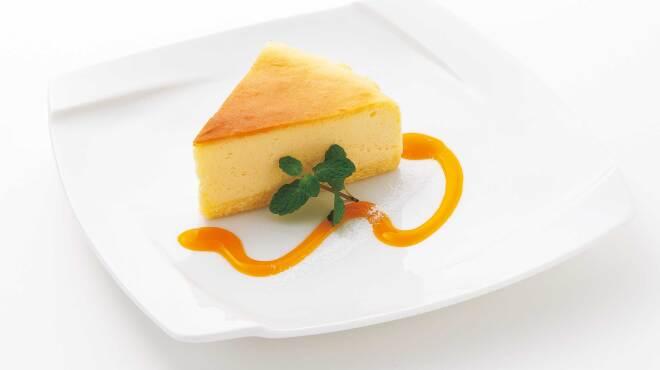 SALVATORE CUOMO & BAR - 料理写真:【DOLCE】スフレチーズケーキ