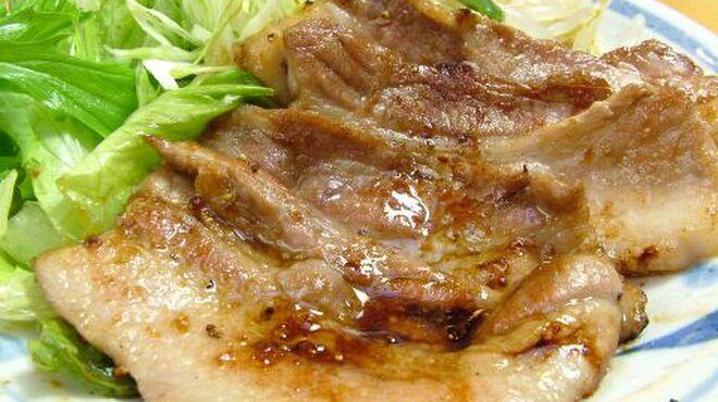 泰山 - 料理写真:黒豚バラ生姜焼き 単品700円 定食1000円