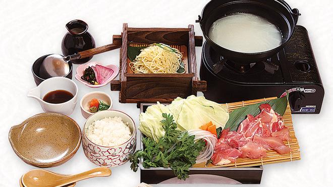 海鮮れすとらん四季庵 - 料理写真:コラーゲンべっぴん鍋定食