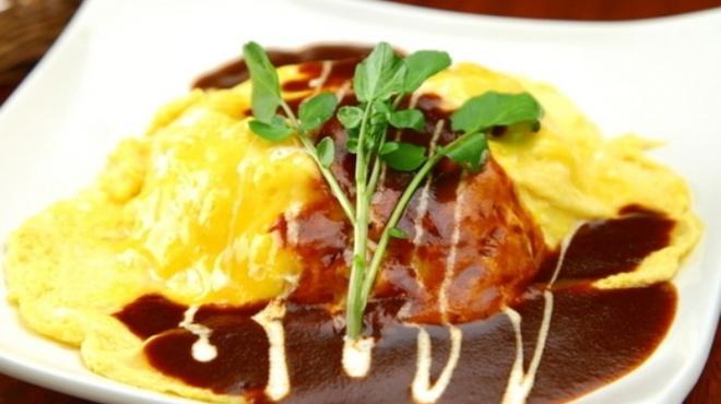 カフェ ド スイドウチョウ - 料理写真:自家製デミグラスソースのオムライス