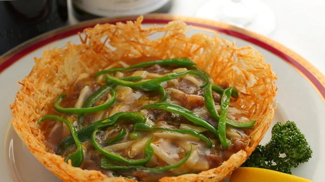 ヘルメスワインコーナー - 料理写真:牛肉と野菜の四川風