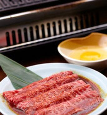 島牛 - 料理写真:大人気メニュー:和牛ザブトンを焼いて、すき焼き感覚で卵でどうぞ! 裏メニューなのでお早めに!