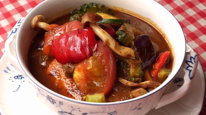 ベンガル - 料理写真:10種類の具だくさん夏野菜カレー ¥1000