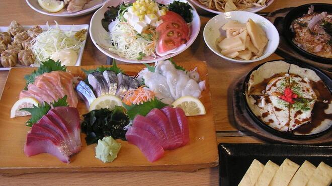 居酒屋 大漁 - 料理写真:飲み放題付き3000円コース(9品)