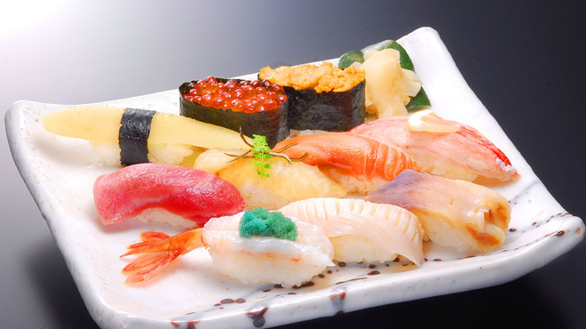 千春鮨 - 料理写真:千春にぎり