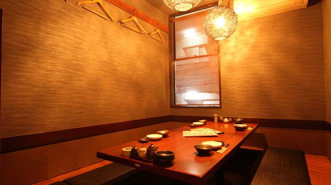 やまかし - 内観写真:個室は6名前後入れます。事前に予約するのが○