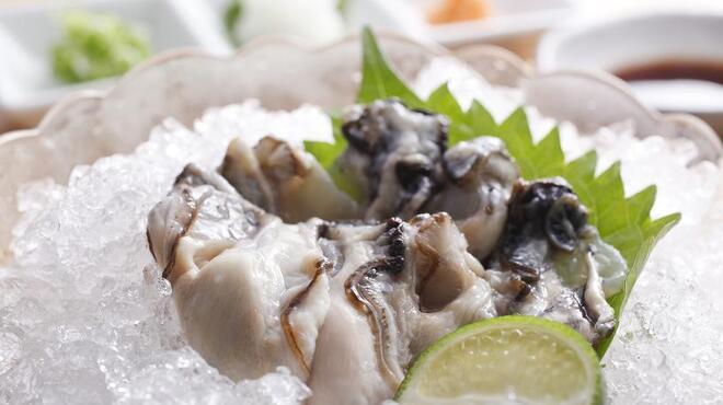 天びん棒 - 料理写真:岩ガキ(時価)
