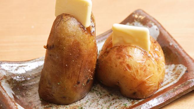 豚っく - 料理写真:北海道産じゃがバターもほくほくでおススメ!