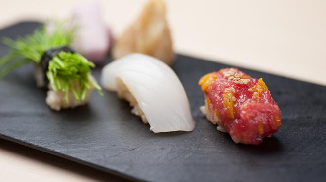 鯛良 - 料理写真:旬の握り