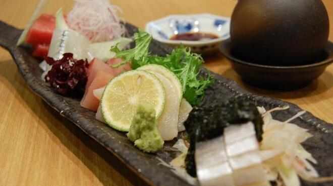 旬野菜 和料理 いし井 - 料理写真:刺し身盛り合わせ(季節によって内容は変わります。1、575円~)