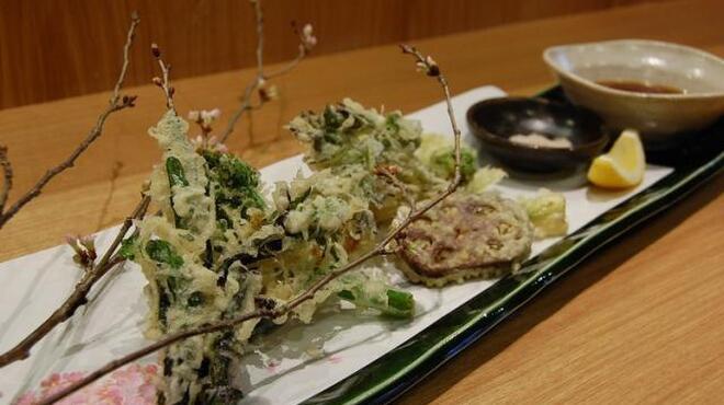 旬野菜 和料理 いし井 - 料理写真:天ぷら盛り合わせ(季節によって内容は変わります)