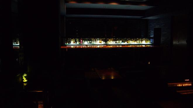 Bar Deva - 内観写真: