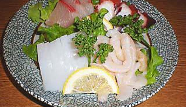 海門 - 料理写真:刺身四種盛り。鮮度抜群。