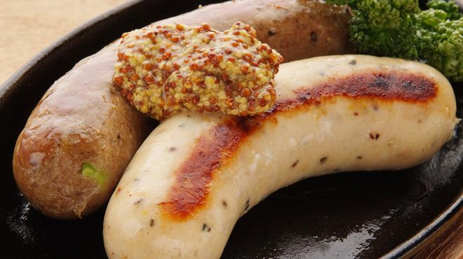 ゴールデンミートバル - 料理写真:<GMB>特製『自家製サルシッチャ』 肉の存在感があるサルシッチャ(イタリア風ソーセージ)。鶏/豚/子羊から2種をチョイス。