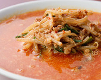 リトル泰興楼 - 料理写真:麺類1番人気!坦々麺