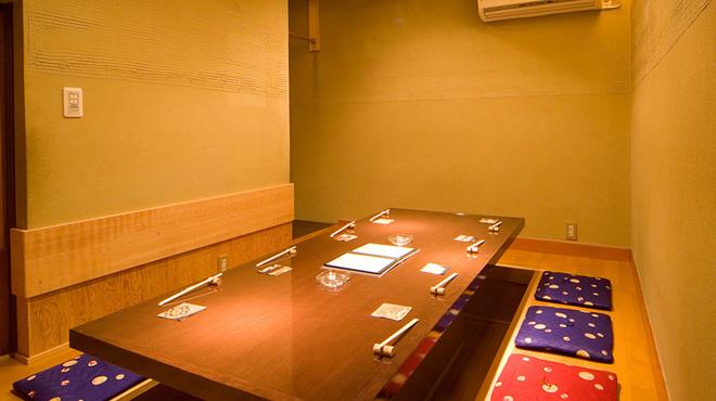 京都豆八 - 内観写真:≪完全個室のご案内≫8名様まで可能、掘りごたつ式の完全個室。