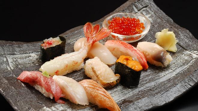 おたる政寿司 ぜん庵 - 料理写真:選び抜かれた最高級の素材が勢ぞろい! 政寿司厳選握り 3990円