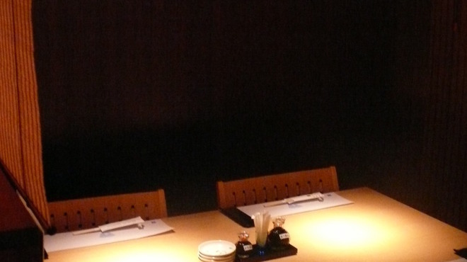 おたる政寿司 ぜん庵 - 内観写真:テーブル席もございますので、用途に応じて使い勝手の良い店内です。