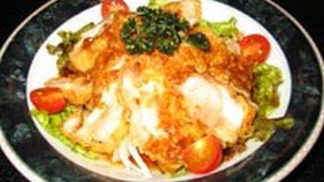 みとりん - 料理写真:▲みとりん特製唐揚。中華風にサッパリ仕上げたみとりん一押しの品。