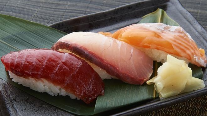 博多酒場きなっせい - 料理写真:おまかせ握り三貫 441円