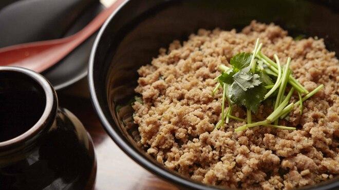 鳥ばか一代 - 料理写真:鶏そぼろ飯