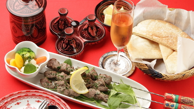 モロッコ タジンや - 料理写真:中東でおなじみの串刺し肉料理「ケバブ」