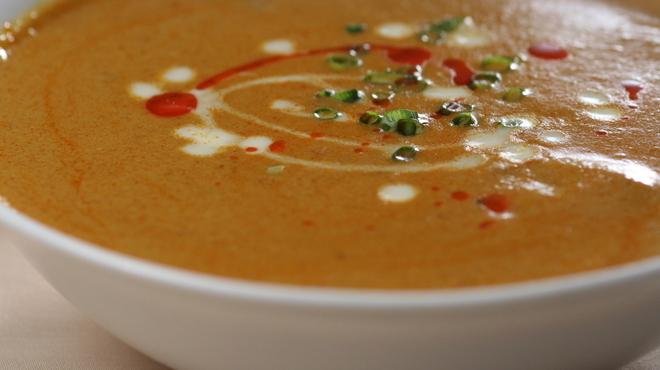 スパイスガーデン  - 料理写真:やわらかく煮込んだチキンと玉ねぎが◎「チキンカレー」
