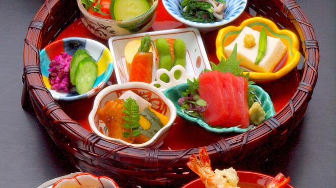 美々卯 - 料理写真:花籠弁当 ¥2100