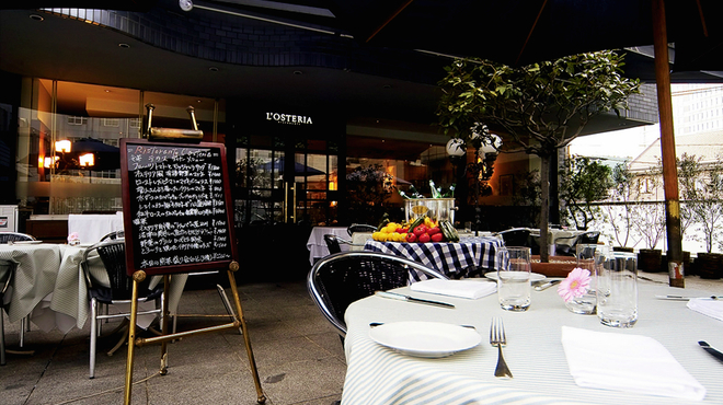 リストランテ・オステリア - 内観写真: 六本木のイタリアン・レストラン「L'OSTERIA」(オステリア)です。