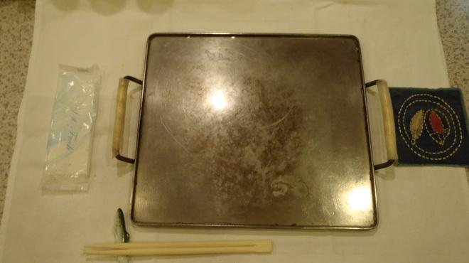 神戸 こも亭 - 内観写真:普通の鉄板に見えますが・・・実は・・・