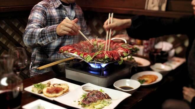 まくら木 - 料理写真:都内で、シカ肉しゃぶしゃぶが食べられるのは当店だけ!疲労回復、アンチエイジング効果が期待さます。