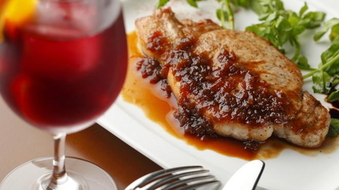 union - 料理写真:厳選した上質の食材が決め手『三元豚 白王のグリル』