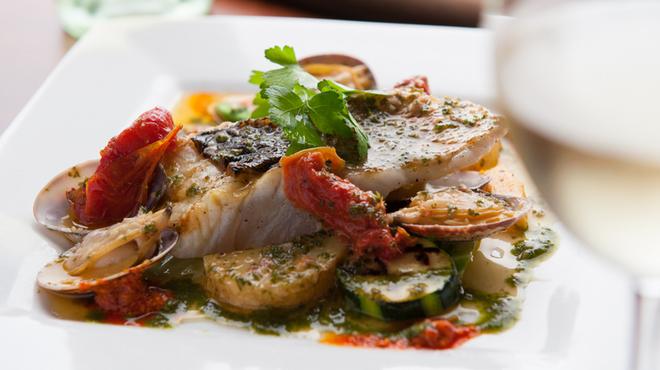 """ガット ソリアーノ - 料理写真:食材の味を生かす""""シーフード料理""""がナポリ料理の基本です"""