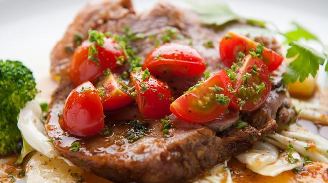 ガット ソリアーノ - 料理写真:食材の味が際立つ『上州三元もち豚ロースのロースト Gatto風』