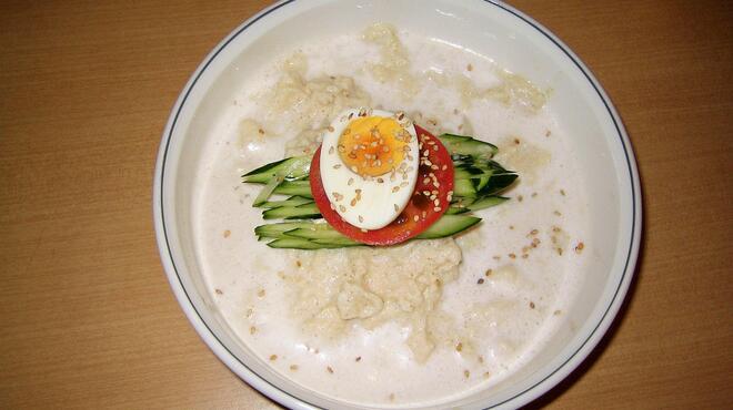 名家 - 料理写真:コングクス(冷豆乳うどん)        夏場における取って置きのメニューです。過去にテレビでも紹介頂きました。