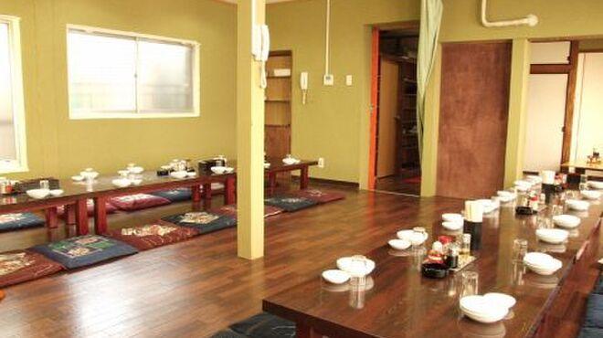 中国料理 金春新館 - 内観写真:2Fに、6名様~最大30名様の宴会が出来る個室完備しています。隣の個室とつなげて、最大45名様にも対応出来ます。