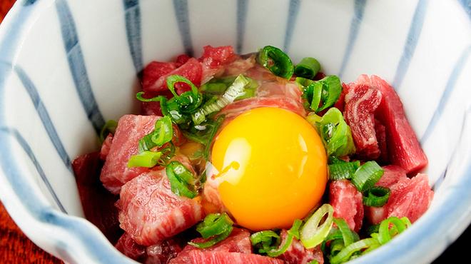 馬春楼 - 料理写真:【前菜・桜納豆】納豆と凍らせた桜肉をかきまぜてお召し上がりいただきます。