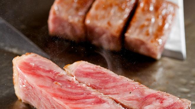 神戸牛ステーキ Ishida. - 料理写真:肉汁の旨さを閉じ込める!