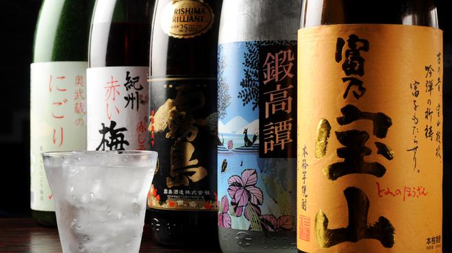 京都ハナビ - 料理写真:心まで酔わす料理とお酒を楽しんでください。ボトルキープもOKです。