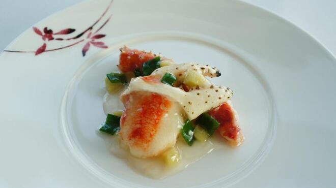 センス - 料理写真:伝統的な広東料理をベースにした、繊細かつ大胆な料理