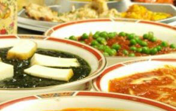 プリヤ - 料理写真:多種多様なスパイスを使用しているので、体に良い、元気の出るカレーが勢ぞろい!!