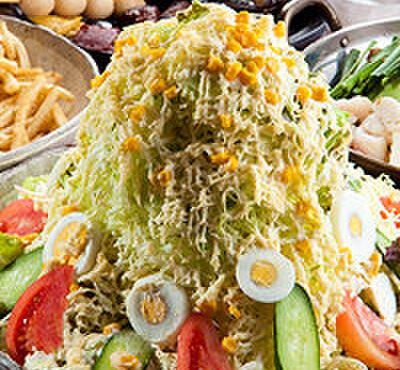 筑前屋 - 料理写真:【バカ盛り 野菜サラダ】 赤字覚悟!野菜が足りない方は是非!