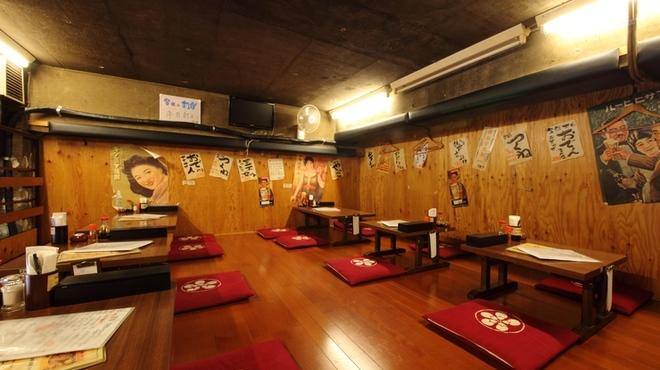 炭火焼鳥 たまどん - 内観写真:【2F】お座敷席は最大18名様までの宴会が可能!
