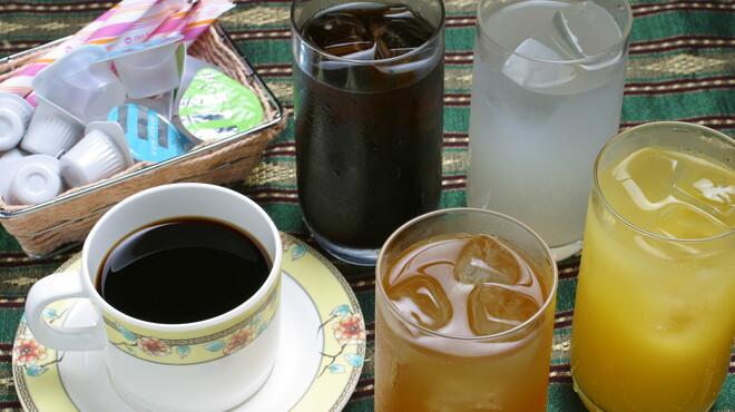 ソムオー - 料理写真:ランチドリンク、コーヒーも入って10品ご用意。飲放です。