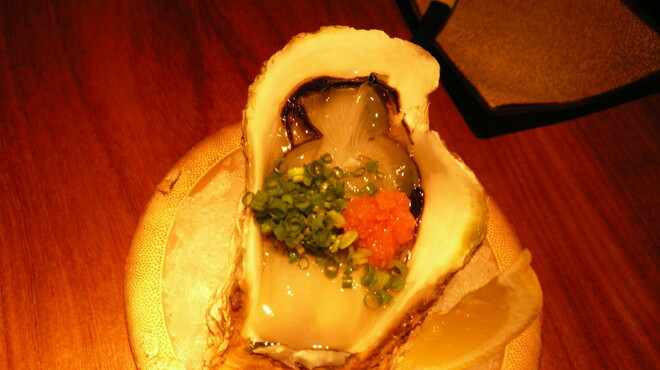 魚屋豪椀 - 料理写真:天然岩牡蠣