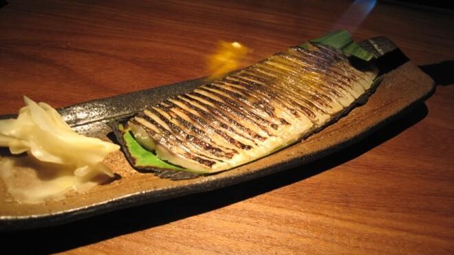 魚屋豪椀 - 料理写真:大人気あぶり〆サバ