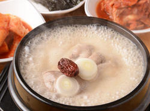 高麗参鶏湯 - 料理写真:参鶏湯専門店です。食べ方はお教えします