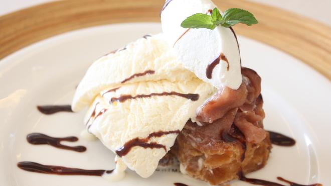 LONCAFE - 料理写真:アップルパイの中身をのせたフレンチトースト